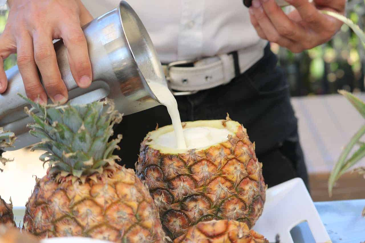 Making cocktails while employed as yacht jobs