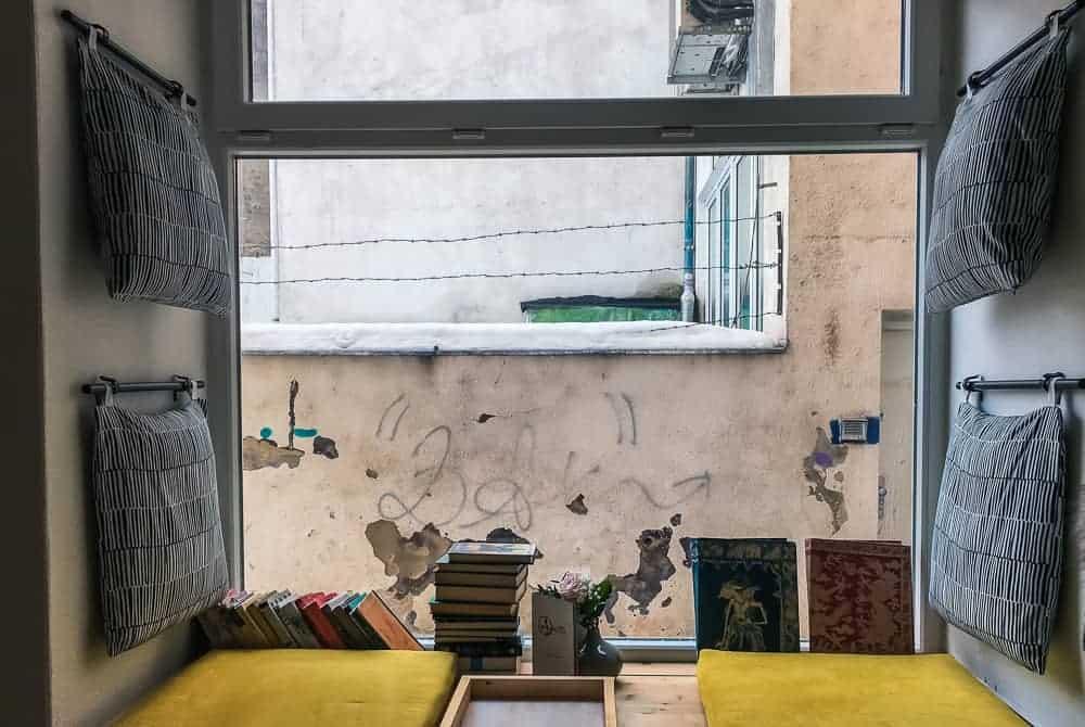 Cute window seat in Aurelica
