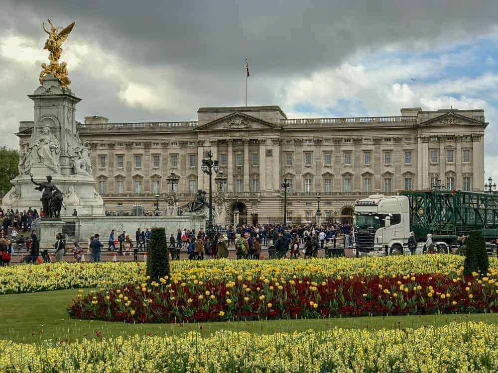 London Landmarks West Tour. Photo by Andrea at One Savvy Wanderer.