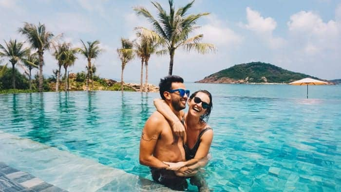 Kat and her husband live in Vietnam and teach English