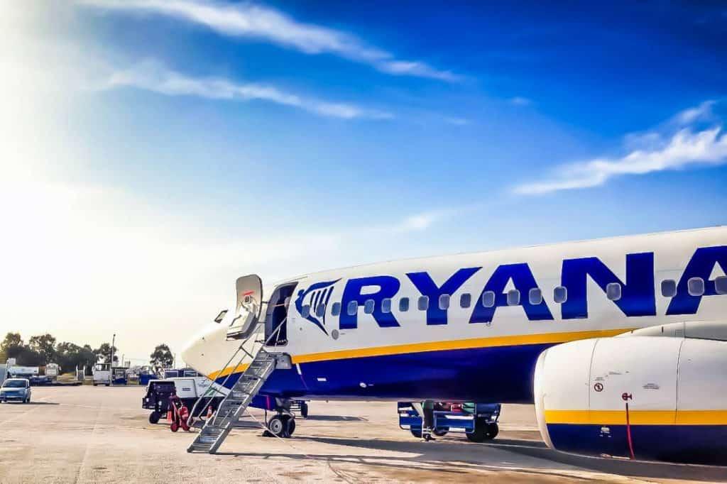 Travel Europe Cheap fly Ryan Air