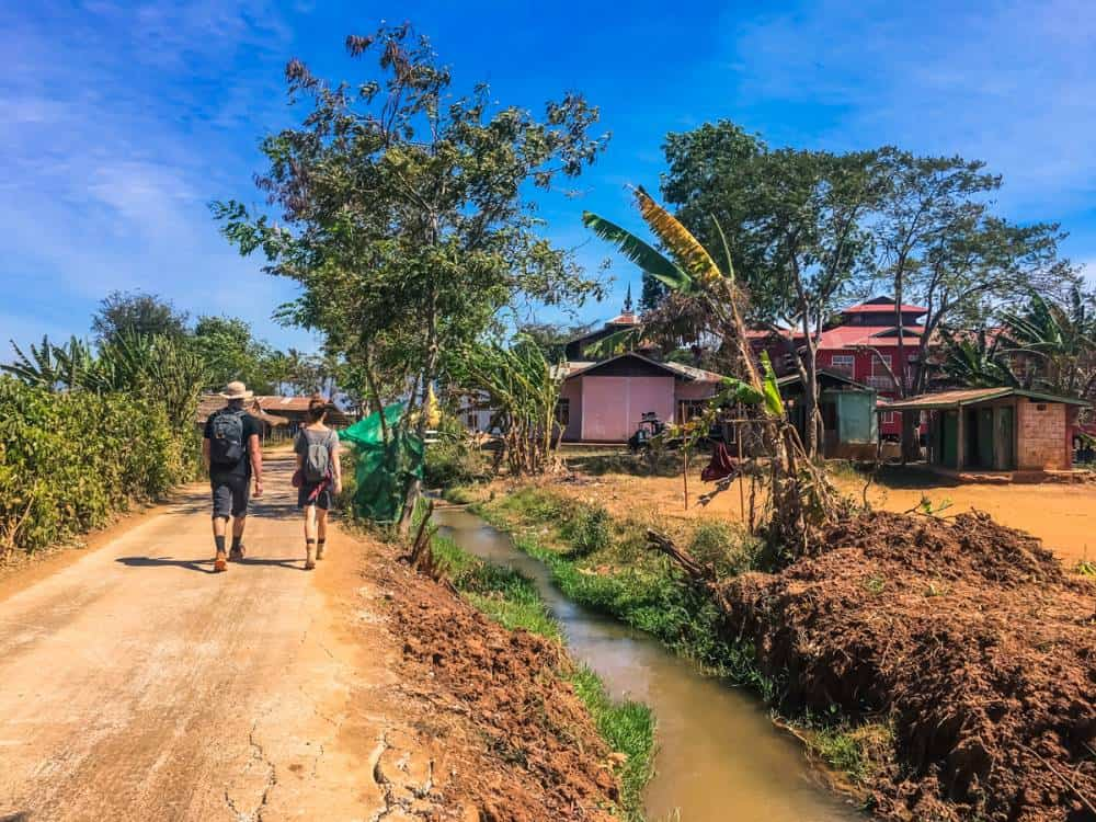 Flat terrain Kalaw to Inle Lake difficulty is easy