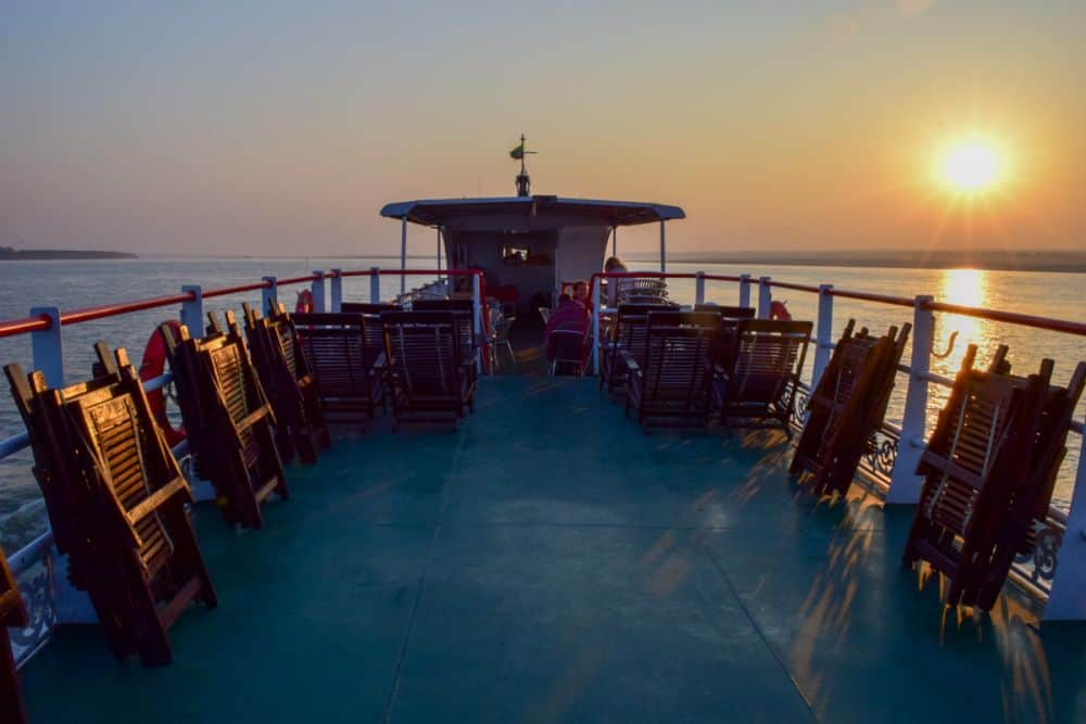 bagan to Mandalay boat cruise